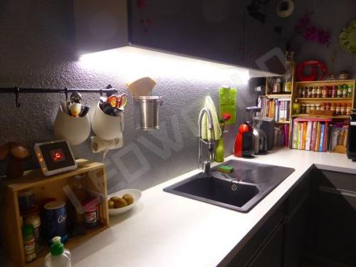 r glette led inclin e 20x16mm blanc alimentation 12v. Black Bedroom Furniture Sets. Home Design Ideas